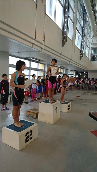 10歳以下、女子50M背泳ぎ第一位‼