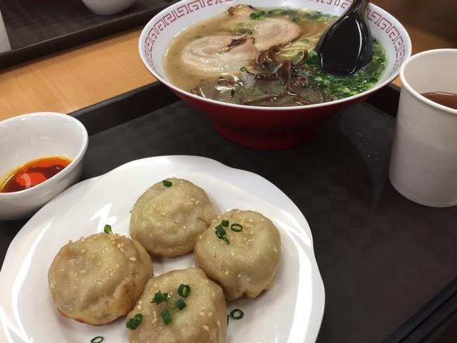 麦麦香(マイマイシャン)フードコートで本格焼小籠包とラーメン | 佐賀市